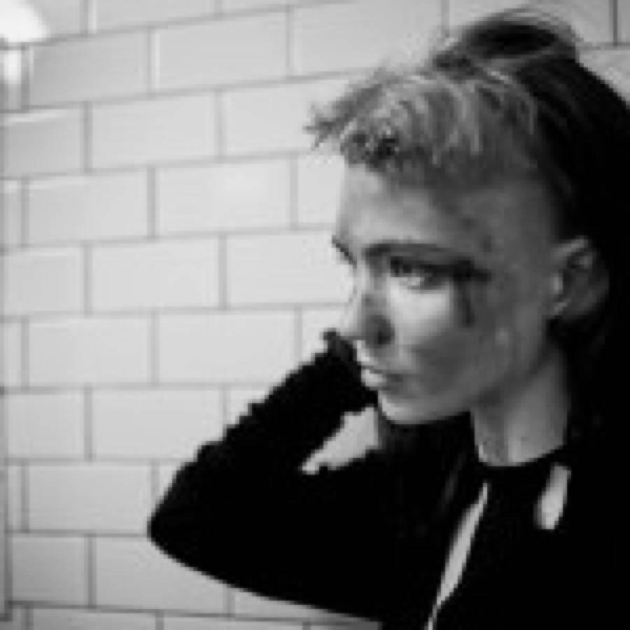 Grimes: due bonus discs per Visions