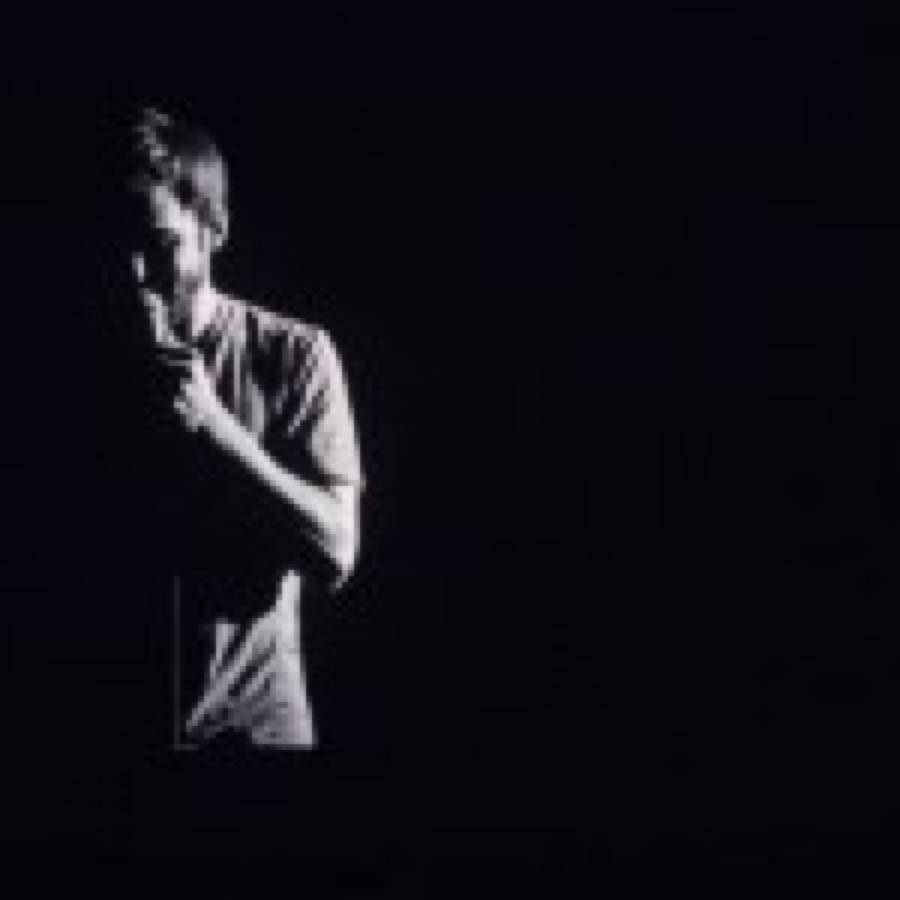 Nils Frahm, due anteprime dal nuovo Spaces: Hammers e Toilet Brushes – More