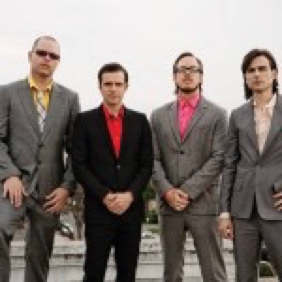 """Weezer. In ascolto il nuovo brano """"Do You Wanna Get High?"""""""