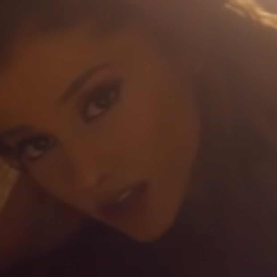 Ariana Grande – Love Me Harder