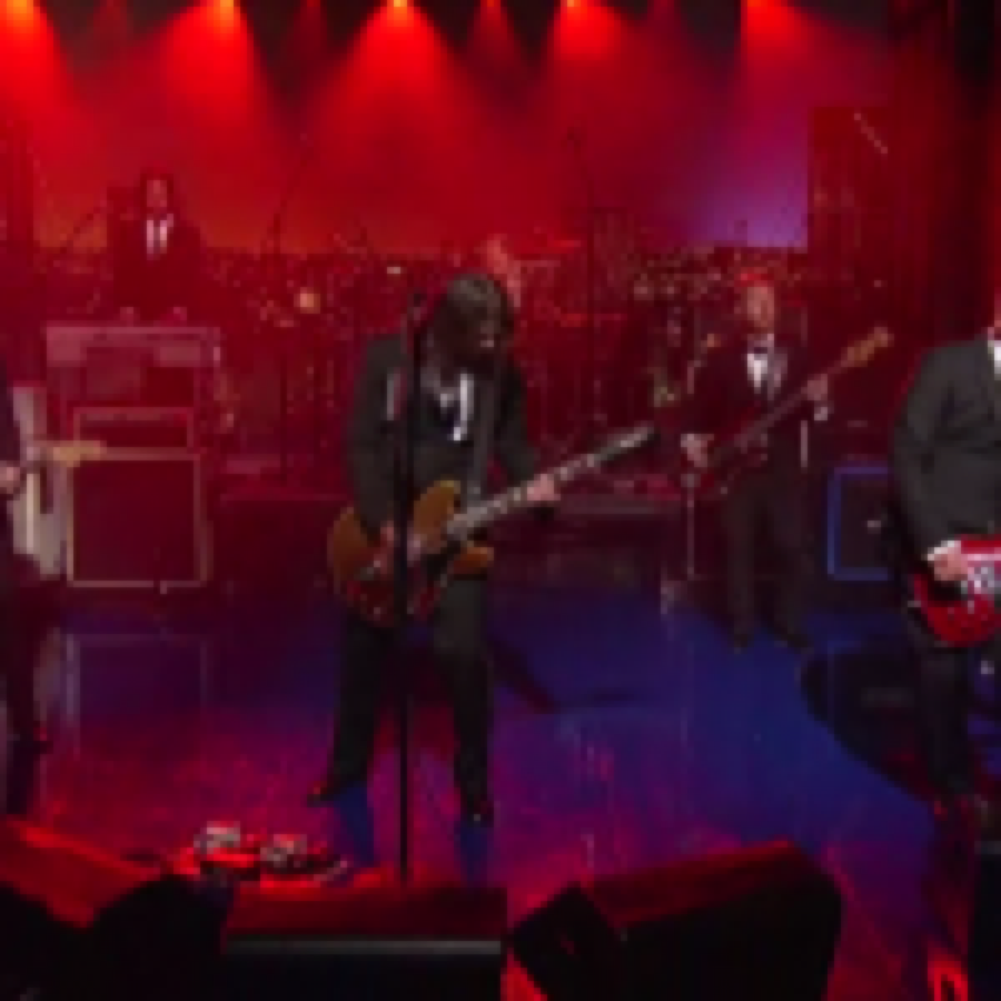 I Foo Fighters salutano David Letterman