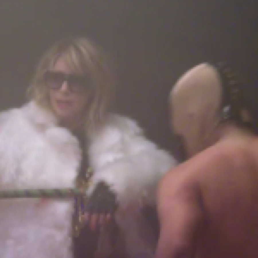 Peaches – Close Up featuring Kim Gordon