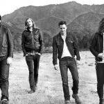 """I Killers eseguono una cover di """"Wonderwall"""" al Lollapalooza Chile"""