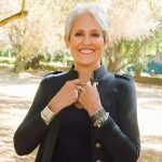 "Joan Baez. Il nuovo album ""Whistle Down The Wind"" in streaming integrale"
