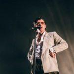 """Arctic Monkeys, la cover dal vivo di """"The Union Forever"""" dei White Stripes"""