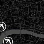 Aphex Twin ha proiettato il suo logo animato e altre grafiche per le vie di Londra