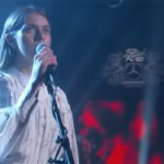 "Tomberlin debutta al Late Night di Kimmel ed esegue tre brani da ""At Weddings"""